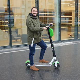 La trottinette est ma solution de mobilité dans Paris, pour me déplacer de manière rapide et fun ! Let's e-trott.